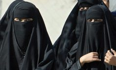 Women Register to Vote in Saudi Arabia for the First Time