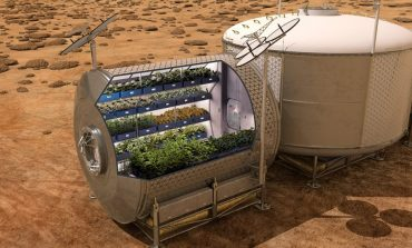 NASA: Astronauts Growing Vegetables in Space