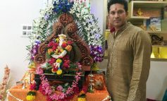 Sachin Tendulkar poses with Ganpati Bappa