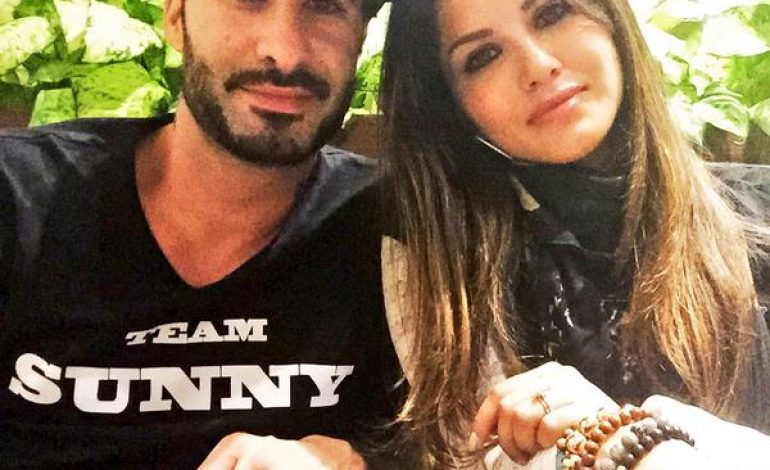 Photos: Who's that with Sunny Leone?