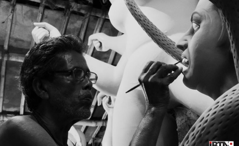 Kumortuli Photos: Idols of Maa Durga Getting Final Touch-ups