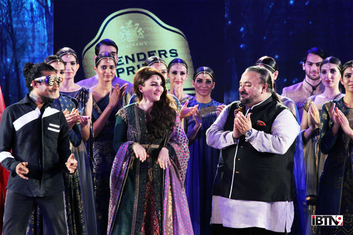 BPFT-Kol-6th-Nov-Soha-Ali-Khan-and-JJ-Valaya