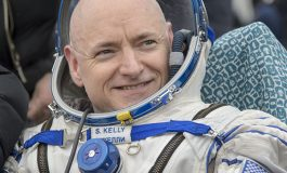 Record-breaking Astronaut Scott Kelly Retiring this April
