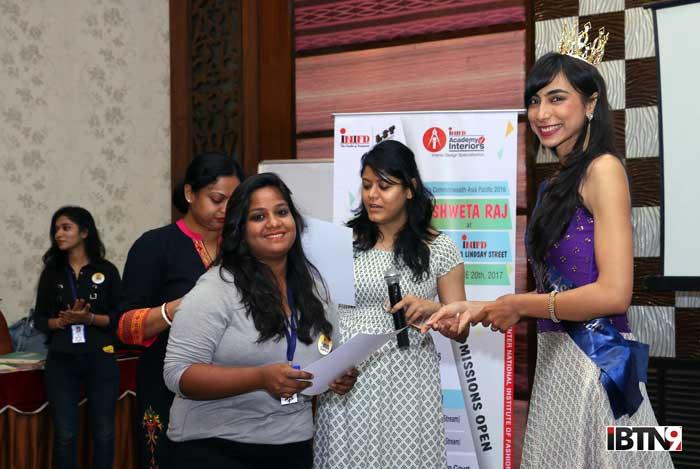 Shweta-Raj-handing-certificates